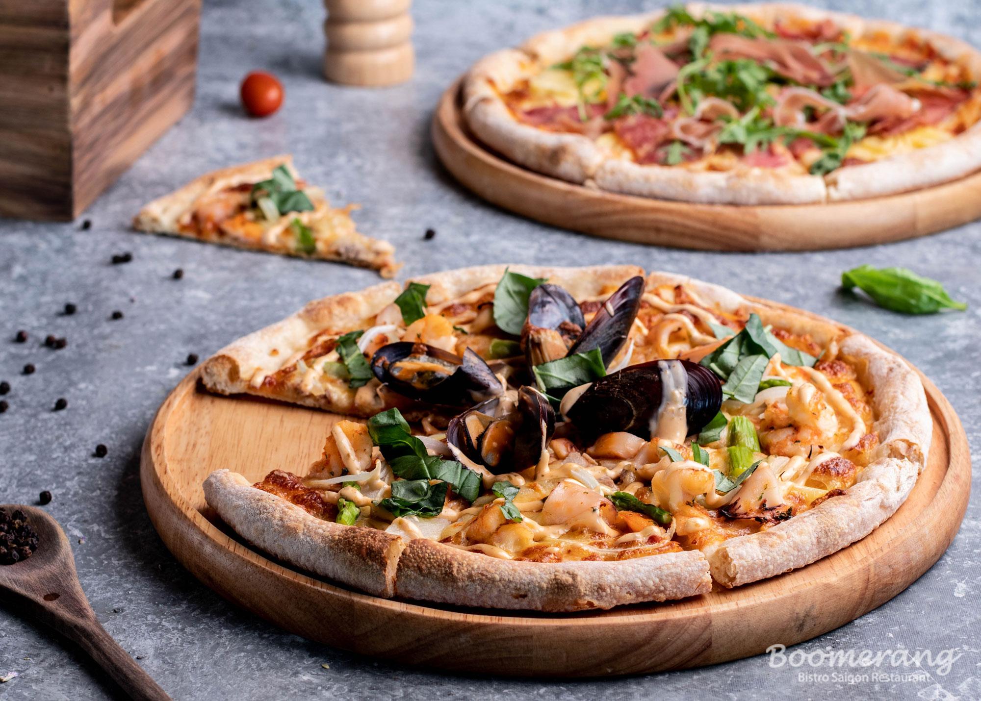 Pizza nhà hàng Boomerang Bistro Saigon