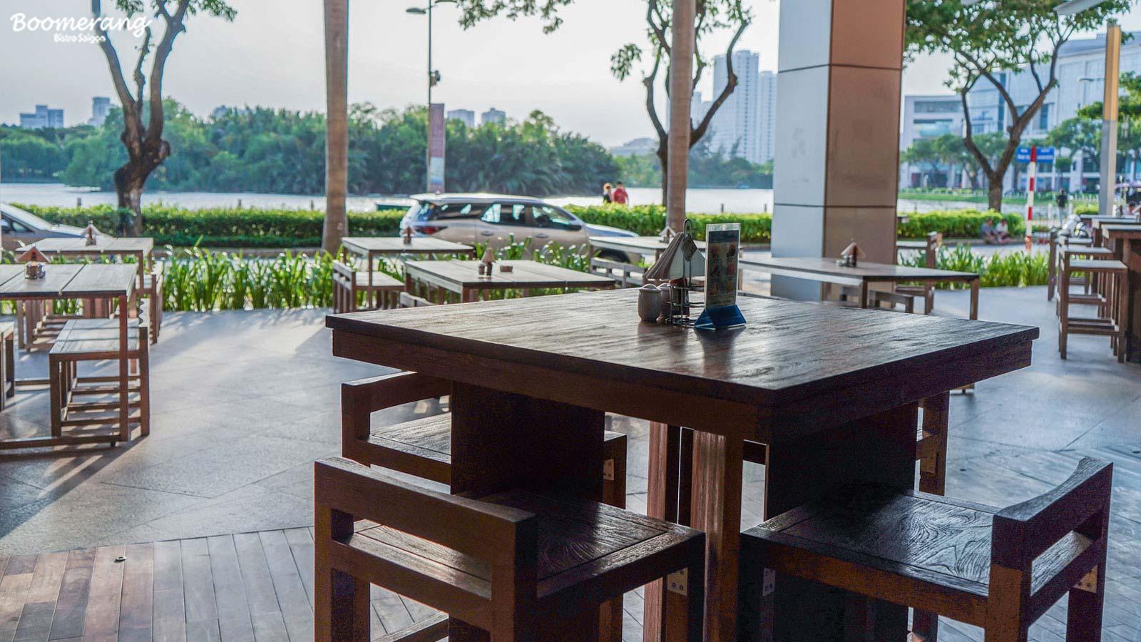Không gian sảnh trước nhà hàng Boomerang