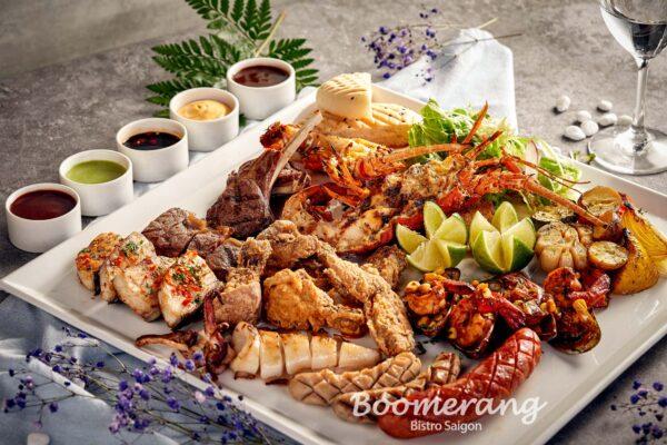 Boomerang jumbo platter