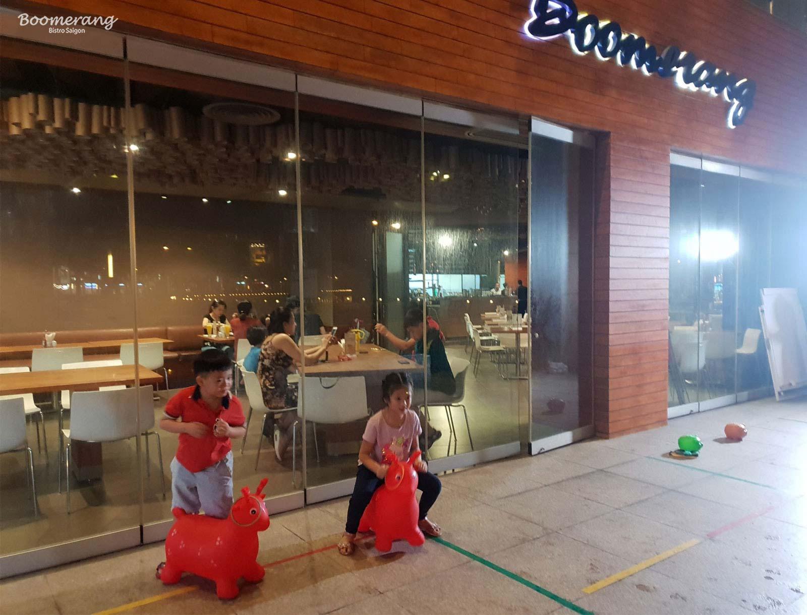 Vòng thi thú nhún minigame quốc tế thiếu nhi nhà hàng Boomerang
