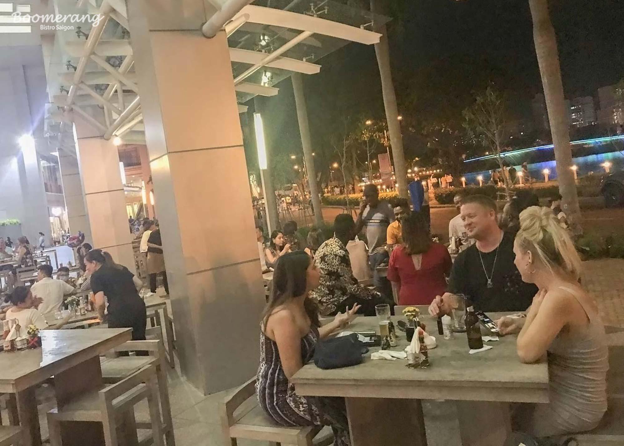 Thư giãn cùng bạn bè và người thân dịp cuối tuần nhà hàng Boomerang