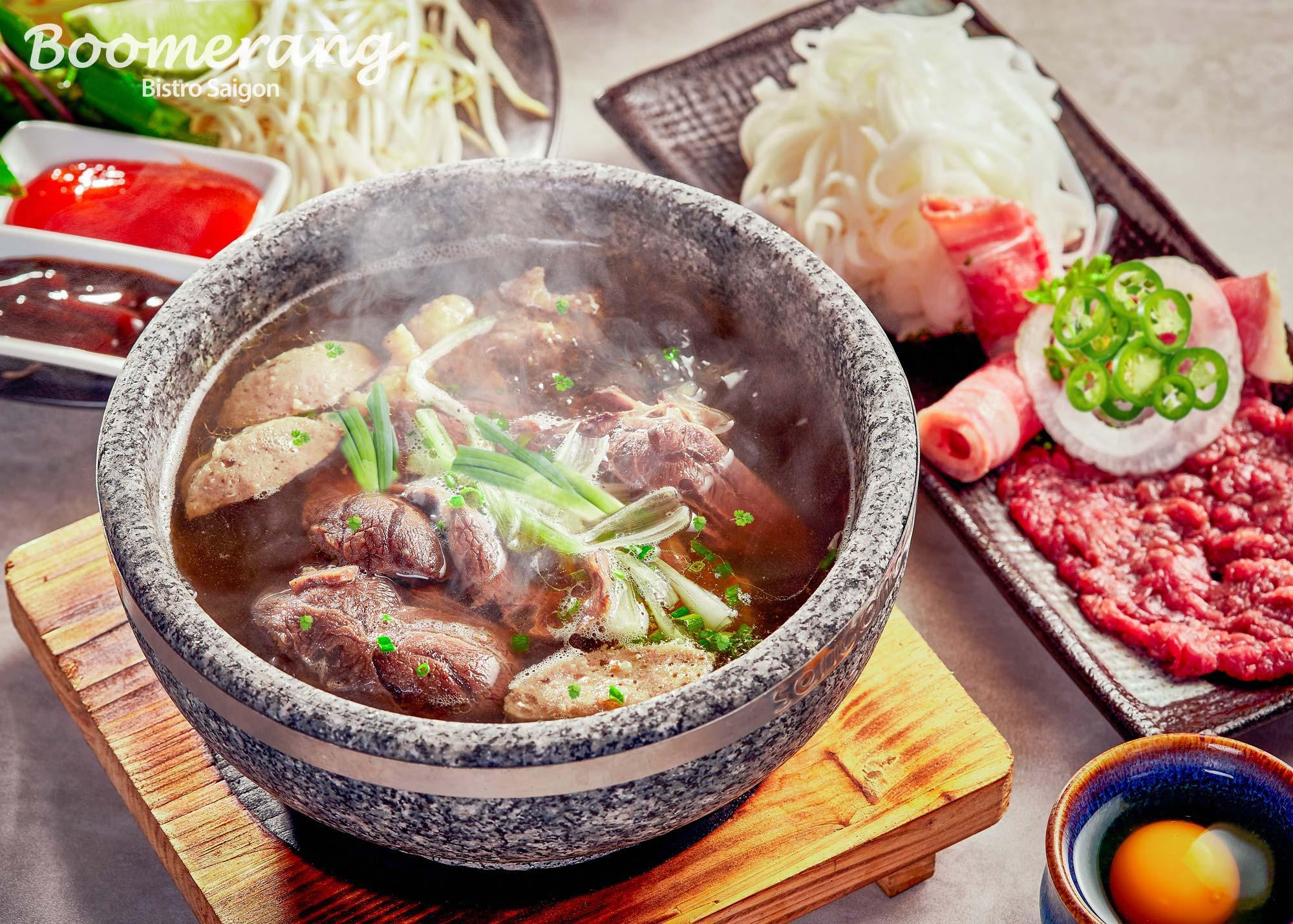 Special pho noodle soup